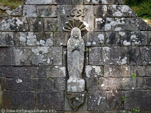 La Fontaine N-D de Locmaria