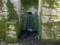 Lavoir et Fontaine de Lugné