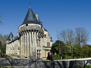 Une des Tours du Château